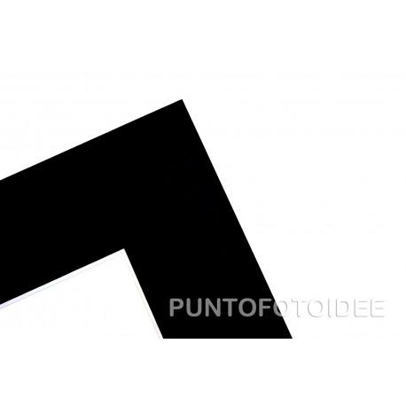 N.5 Passepartout Neri 50x70 cm. (Misura Esterna) + Una cornice a Giorno in Crilex in Omaggio