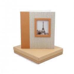 Elegante album fotografico 30x27 cm. con 40 pagine adesive, copertina personalizzabile.